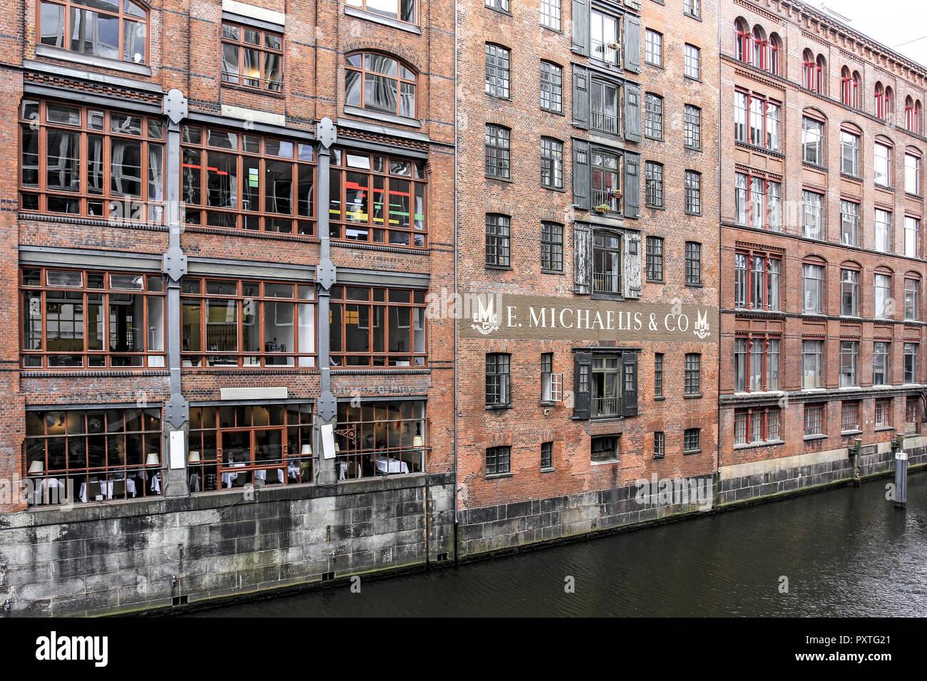 Deutschland, Hansestadt Hamburg, Backsteingebäude an einem Fleet, Germany, Hanseatic City Hamburg, Brick building on a Fleet, north, northern, hansa,  - Stock Image