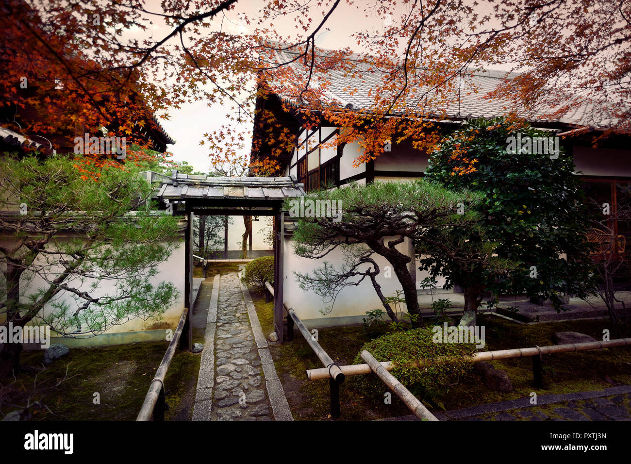 Inner courtyard garden at Daitoku-ji, Zen Buddhist temple in Kyoto, Japan - Stock Image