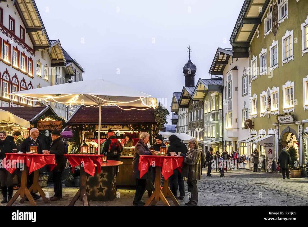Deutschland Weihnachtsmarkt.Weihnachtsmarkt In Bad Tölz Bayern Deutschland Christmas Market