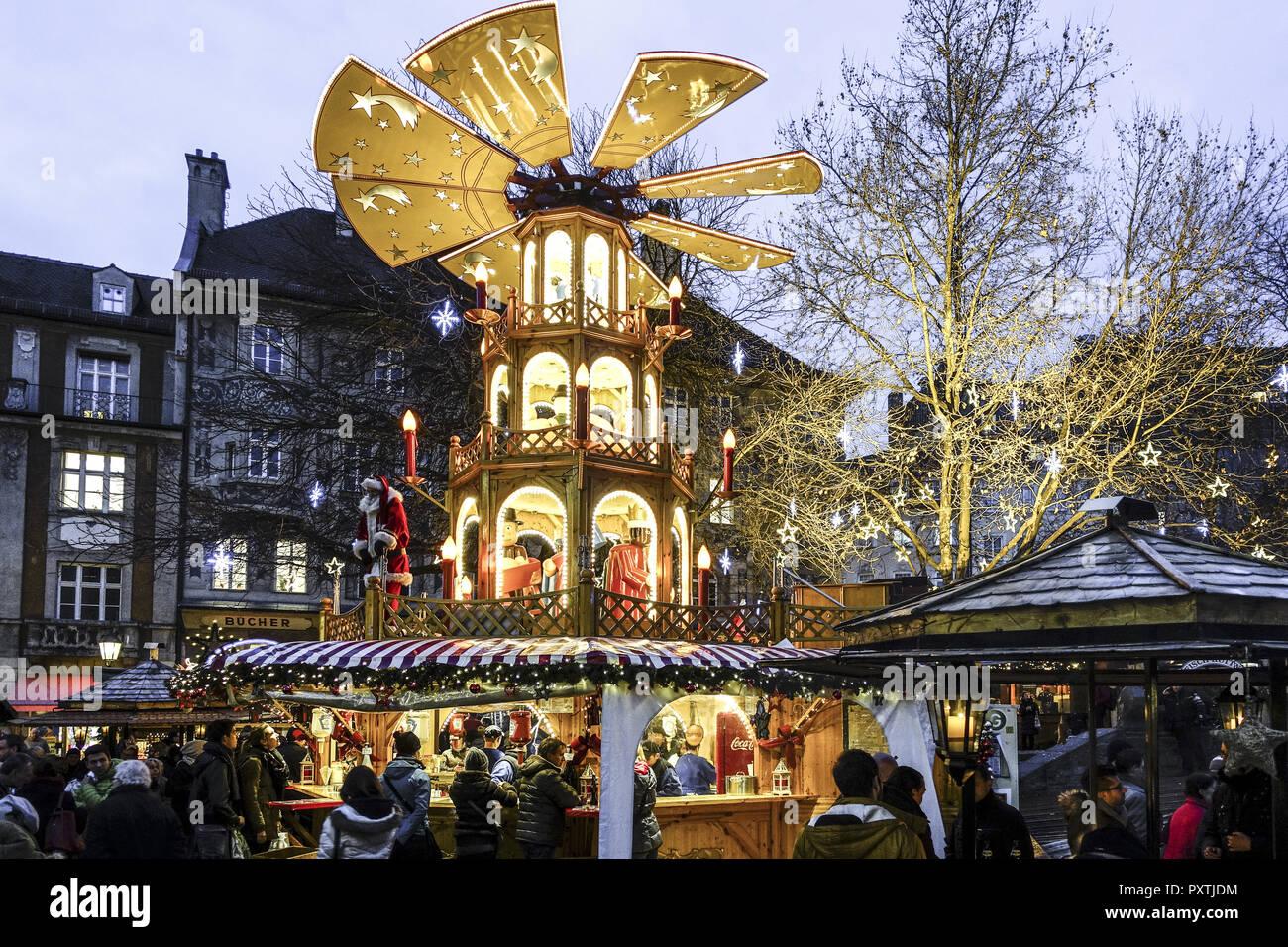 Munich Germany Christmas.Weihnachtsmarkt In Munchen Bayern Deutschland Christmas