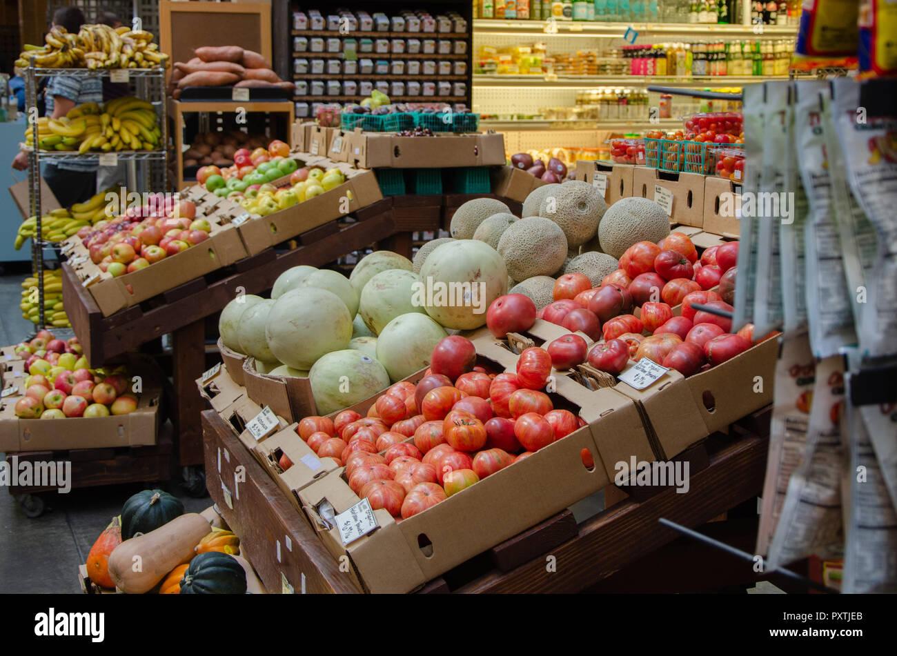 Toronto Supermarket Stock Photos & Toronto Supermarket Stock