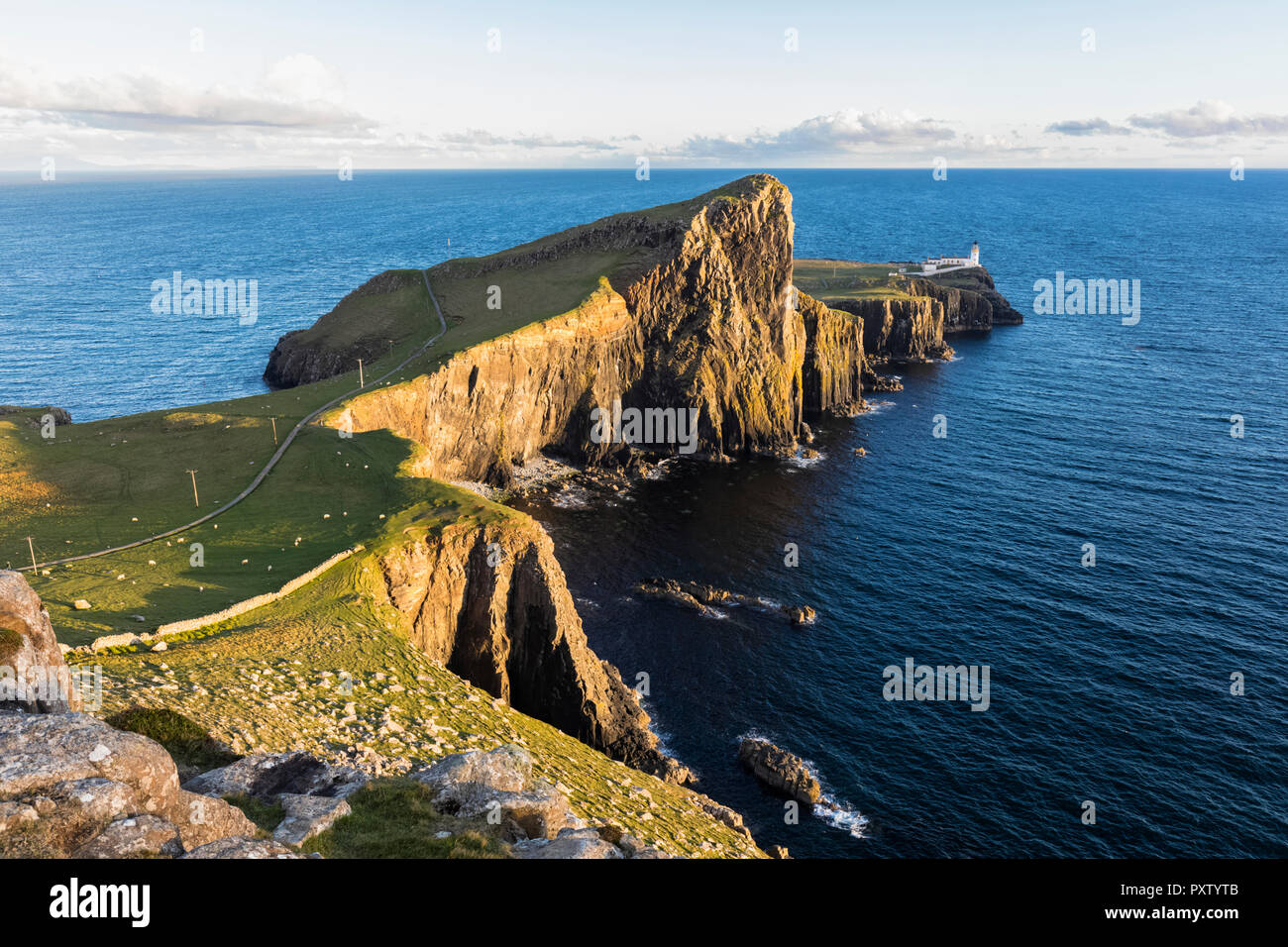 UK, Scotland, Inner Hebrides, Isle of Skye, lighthouse at Neist Point - Stock Image