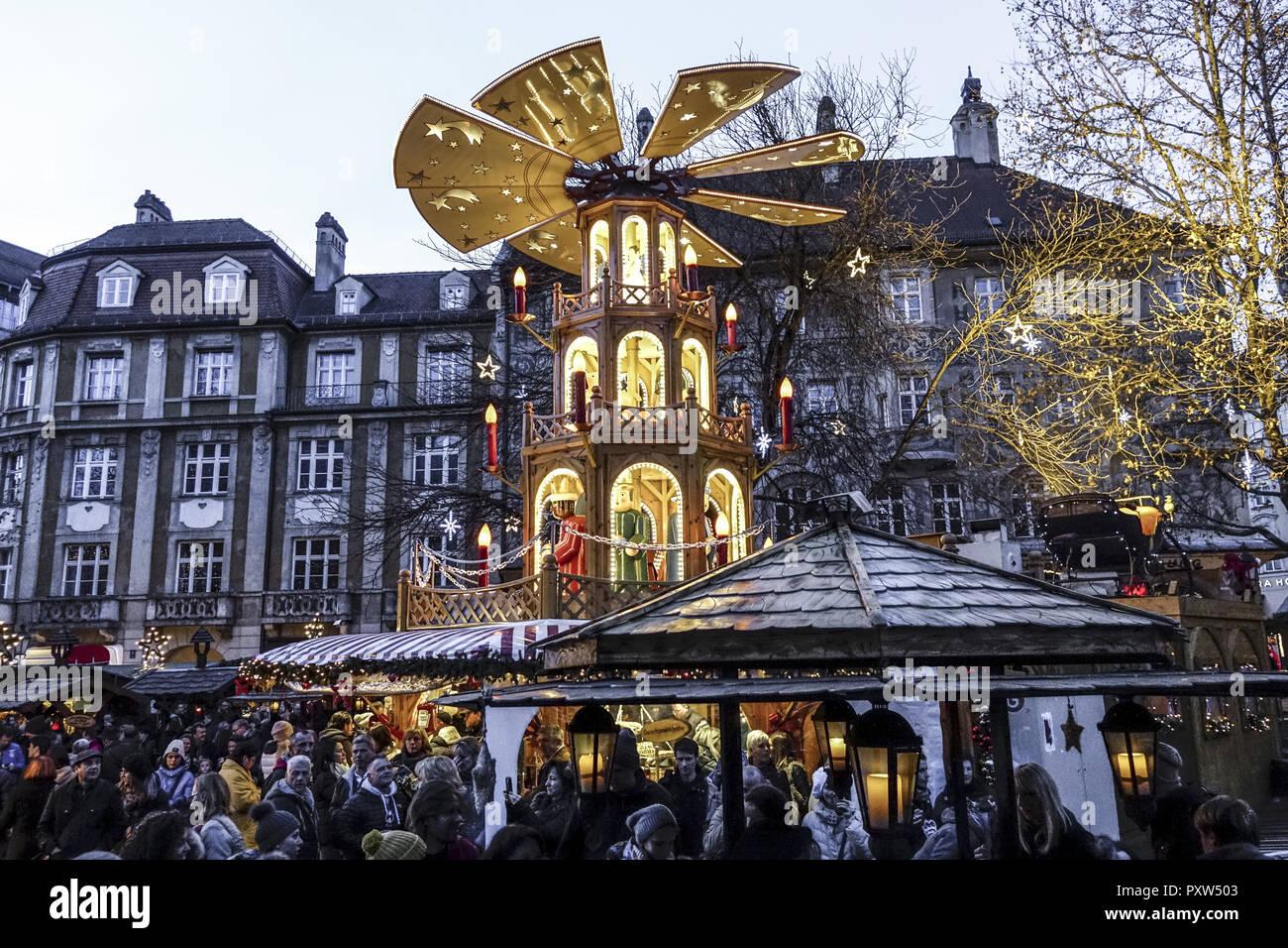München Weihnachtsmarkt.Weihnachtsmarkt In München Bayern Deutschland Christmas Market In