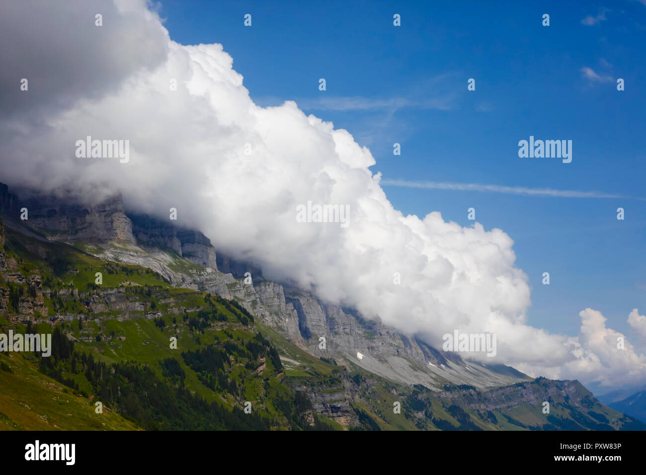 Switzerland, View from Klausen-Pass to mountain and cloud cover - Stock Image
