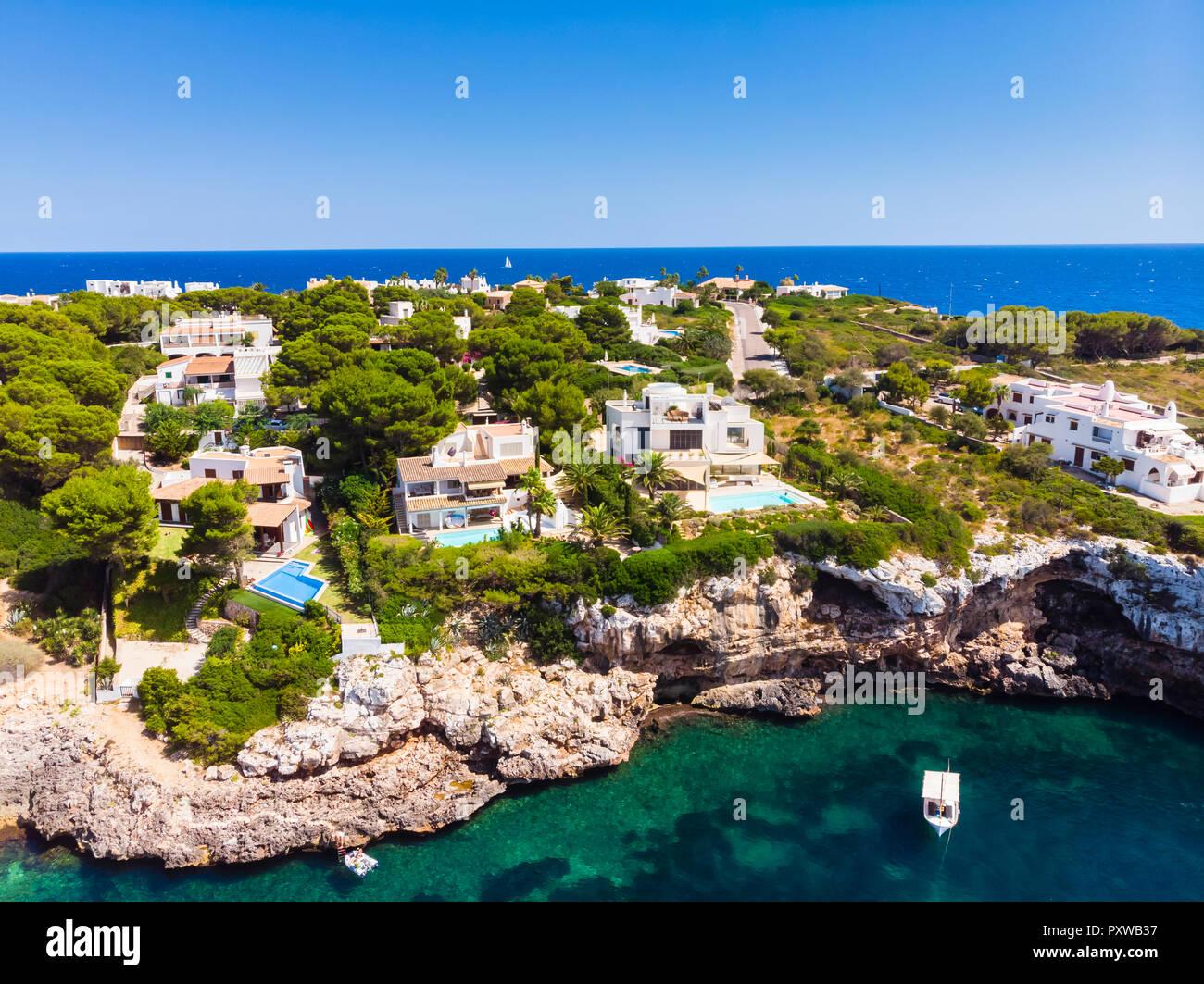 Spain, Mallorca, Portocolom, Punta de ses Crestes, Bay of Portocolom, Luxus villas - Stock Image