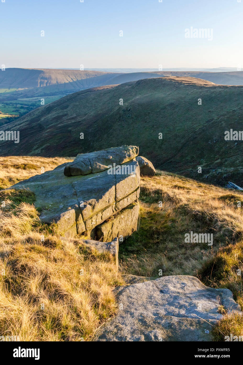 English scenery. Autumn evening view from the edge of Crowden Clough, Kinder Scout towards the Vale of Edale, Derbyshire, Peak District, England, UK. - Stock Image