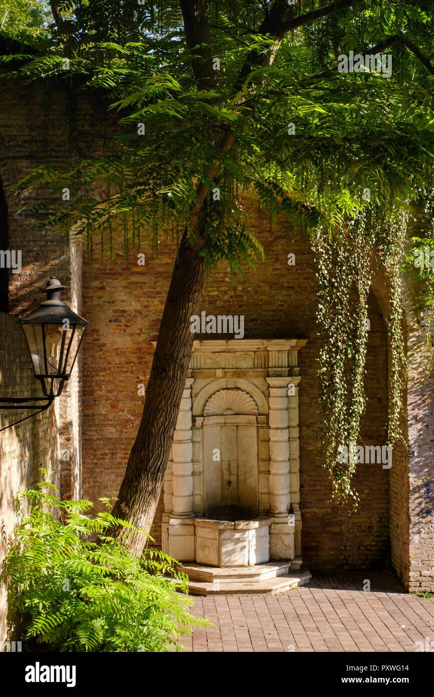 Germany, Augsburg, Venetian fountain at Schwedenstiege - Stock Image