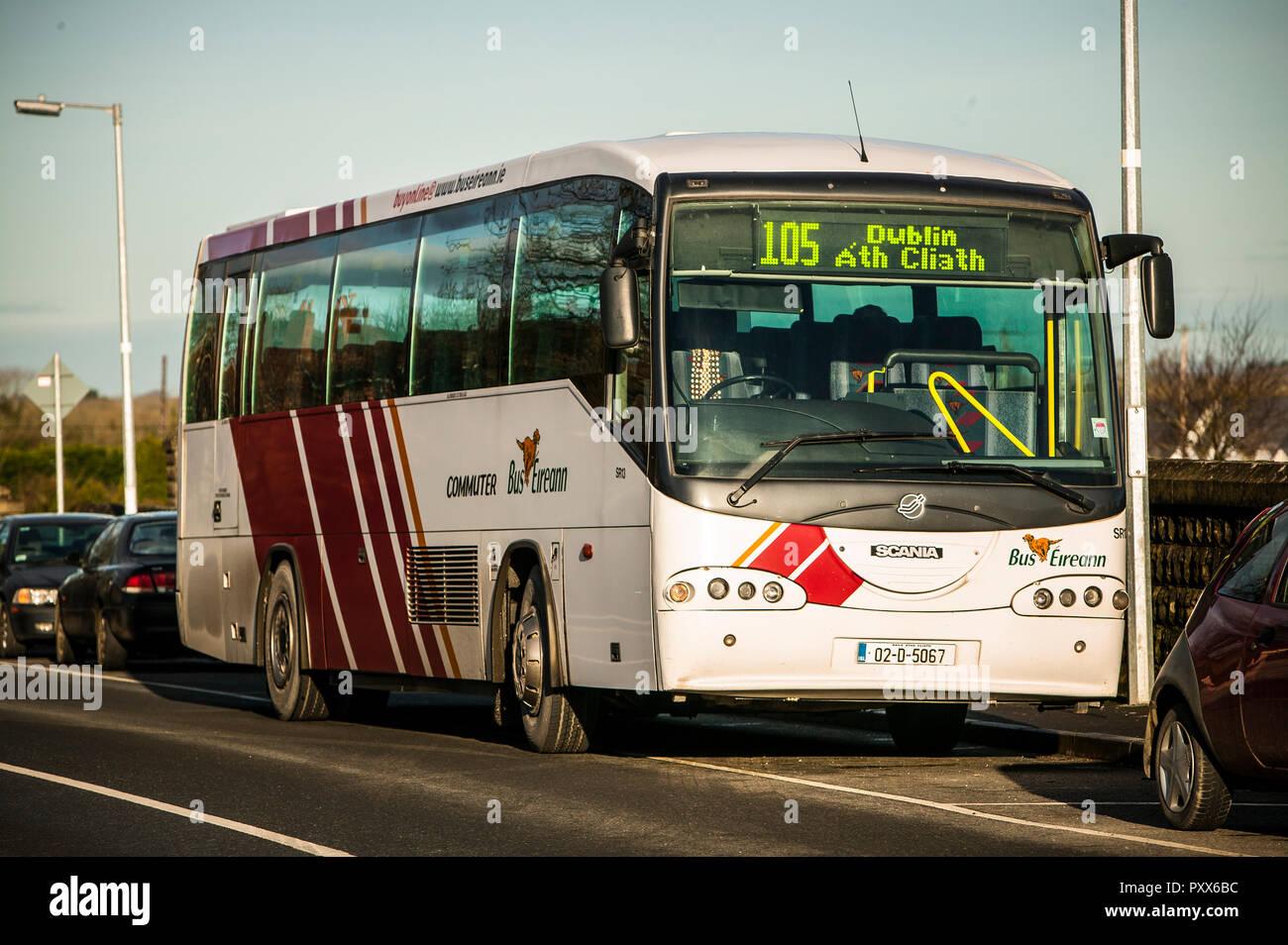 Commuter Bus Eireann Stock Photo: 223081248 - Alamy