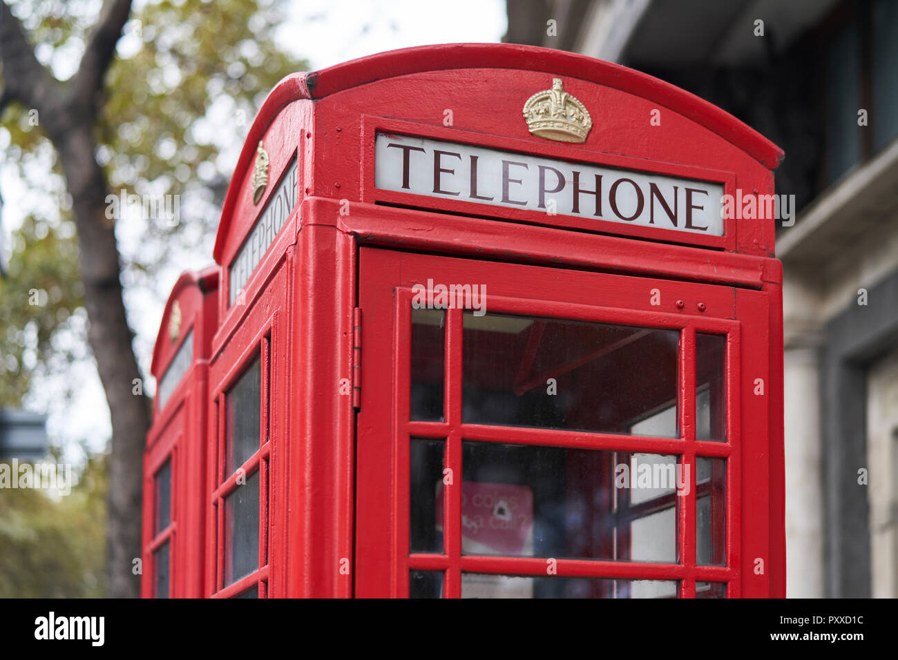 Classic UK Red Telephone Box. - Stock Image
