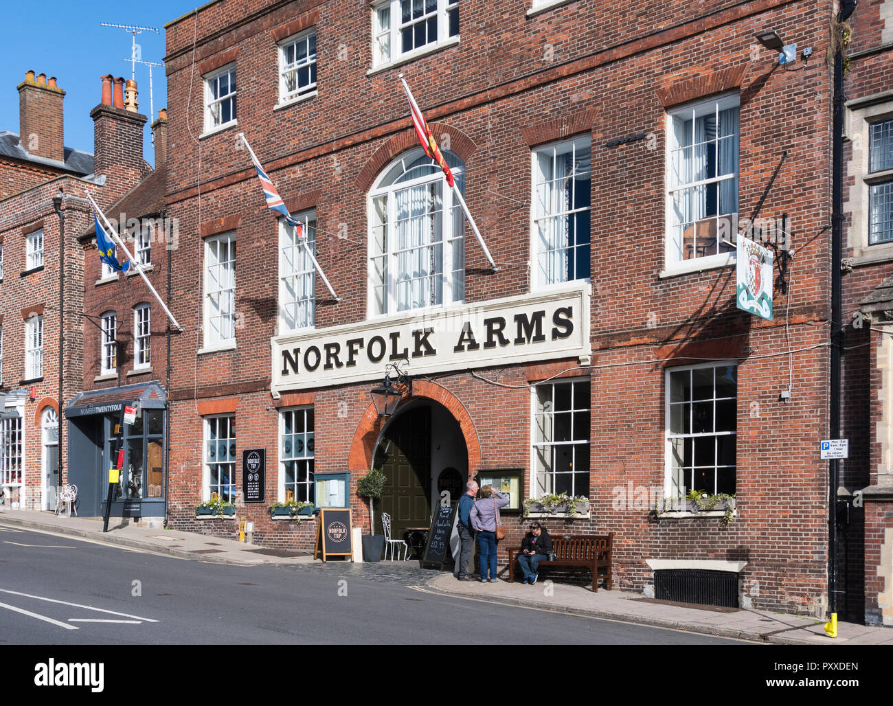 Norfolk Arms Hotel front entrance in the High Street in Arundel, West Sussex, England, UK. - Stock Image