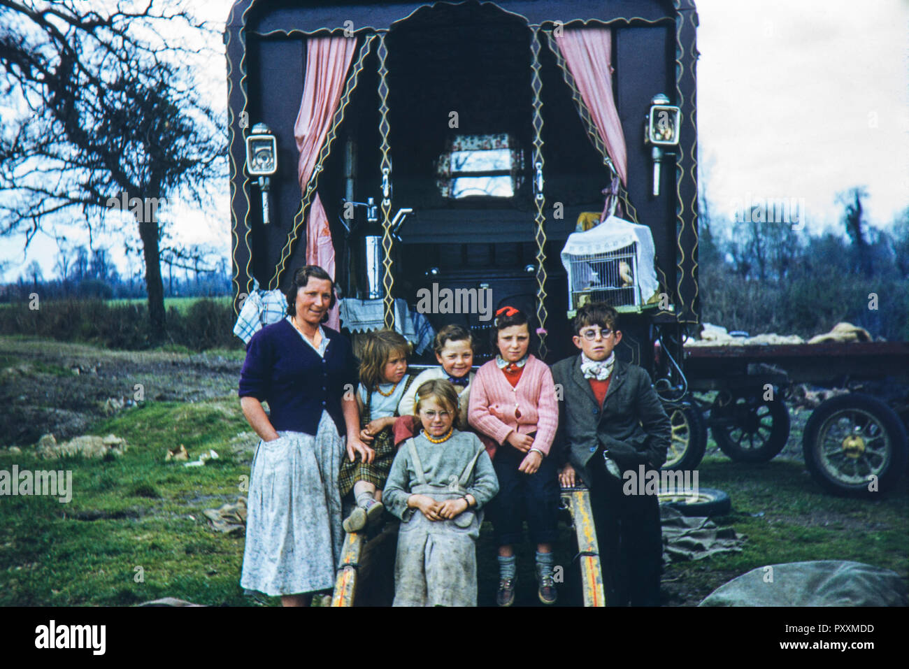 Image of a Romany gypsy family taken in the 1950s - Stock Image