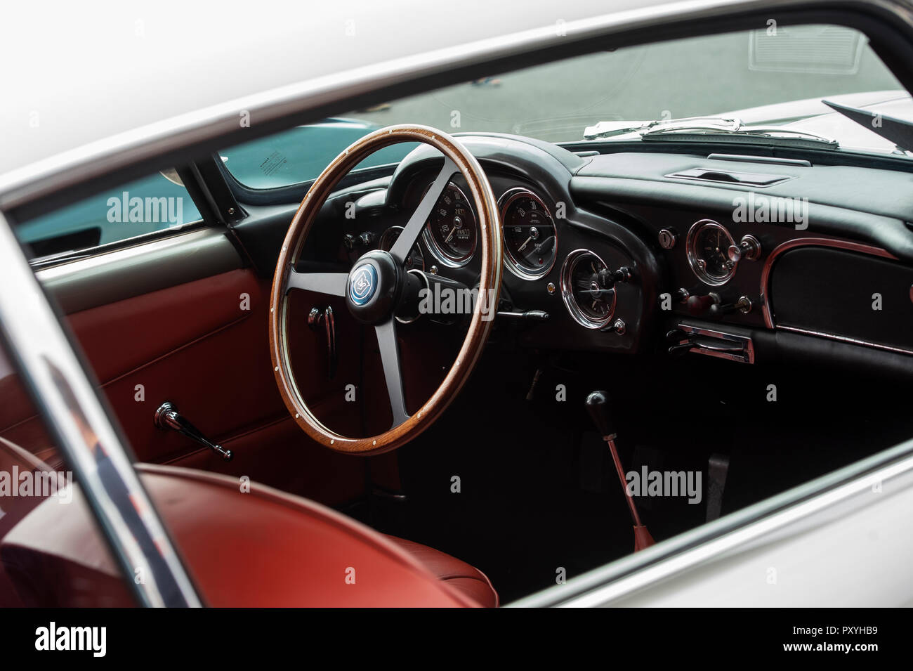 Aston Martin Interior High Resolution Stock Photography And Images Alamy