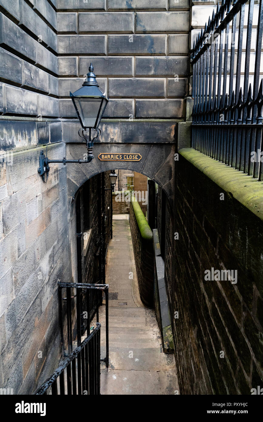 View of historic Barrie's Close (Passageway) in Edinburgh Old Town, Scotland, UK - Stock Image
