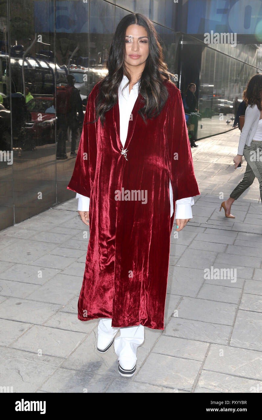 New York City, USA  23rd Oct, 2018  Camila Alves leaving TV