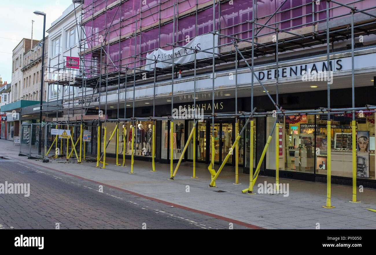 Worthing UK 25th October 2018 - The Debenhams department store in Worthing this morning . The retail company has announced a record annual loss and is to close 50 stores over the next 5 years possibly affecting up to 4000 jobs in the UK Credit: Simon Dack/Alamy Live News - Stock Image
