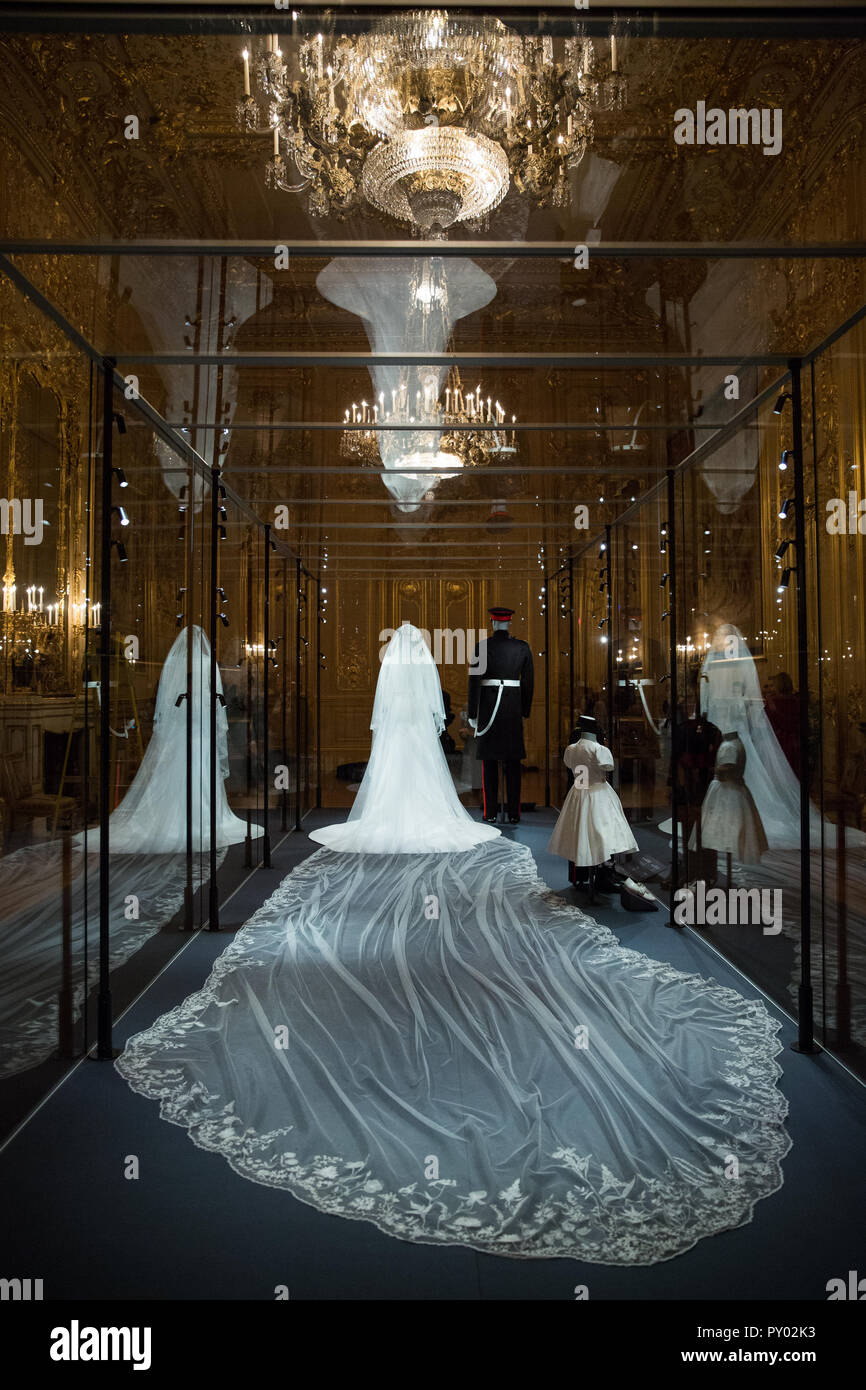 Windsor Uk 25th October 2018 Image Embargoed For Publication Until 00 01 Bst Friday 26 October The Duchess Of Sussex S Five Metre Long Veil Made From Silk Tulle And Embroidered With The Flora Of The