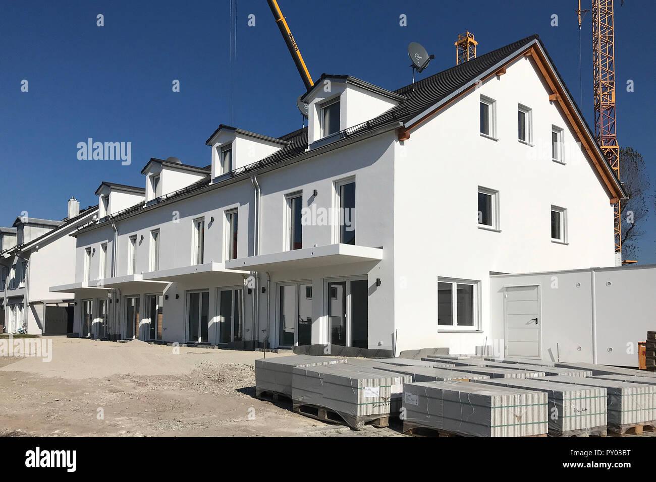 Ismaning, Deutschland  25th Oct, 2018  Facade, new apartments in