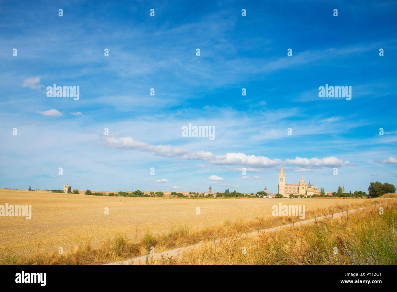 Panoramic view of the city emerging over the horizon. Segovia, Spain. - Stock Image