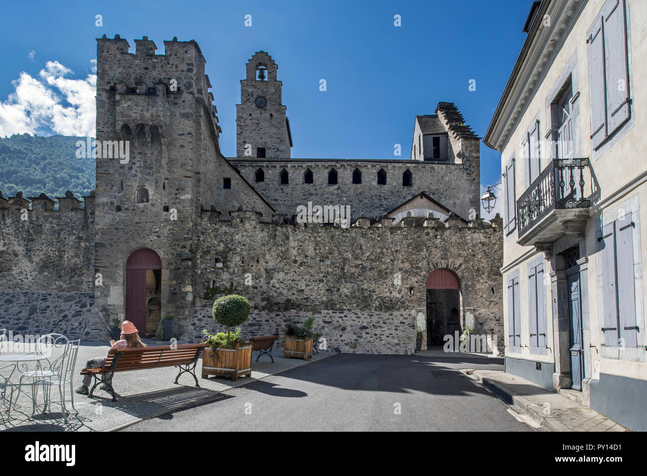 Twelfth century Église des Templiers / Templar church in the village Luz-Saint-Sauveur, Hautes-Pyrénées, France - Stock Image
