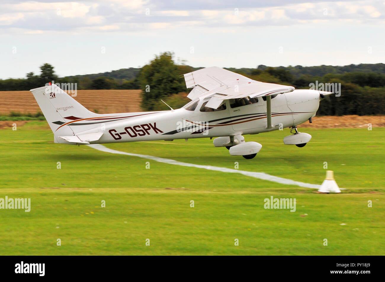 Cessna 172 Skyhawk G-OSPK of Russell Denny in a spot landing competition at  Elmsett