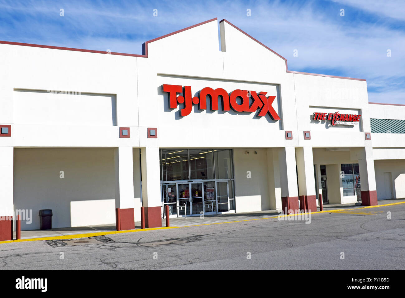 T J  Maxx department store in Willoughby, Ohio, USA Stock