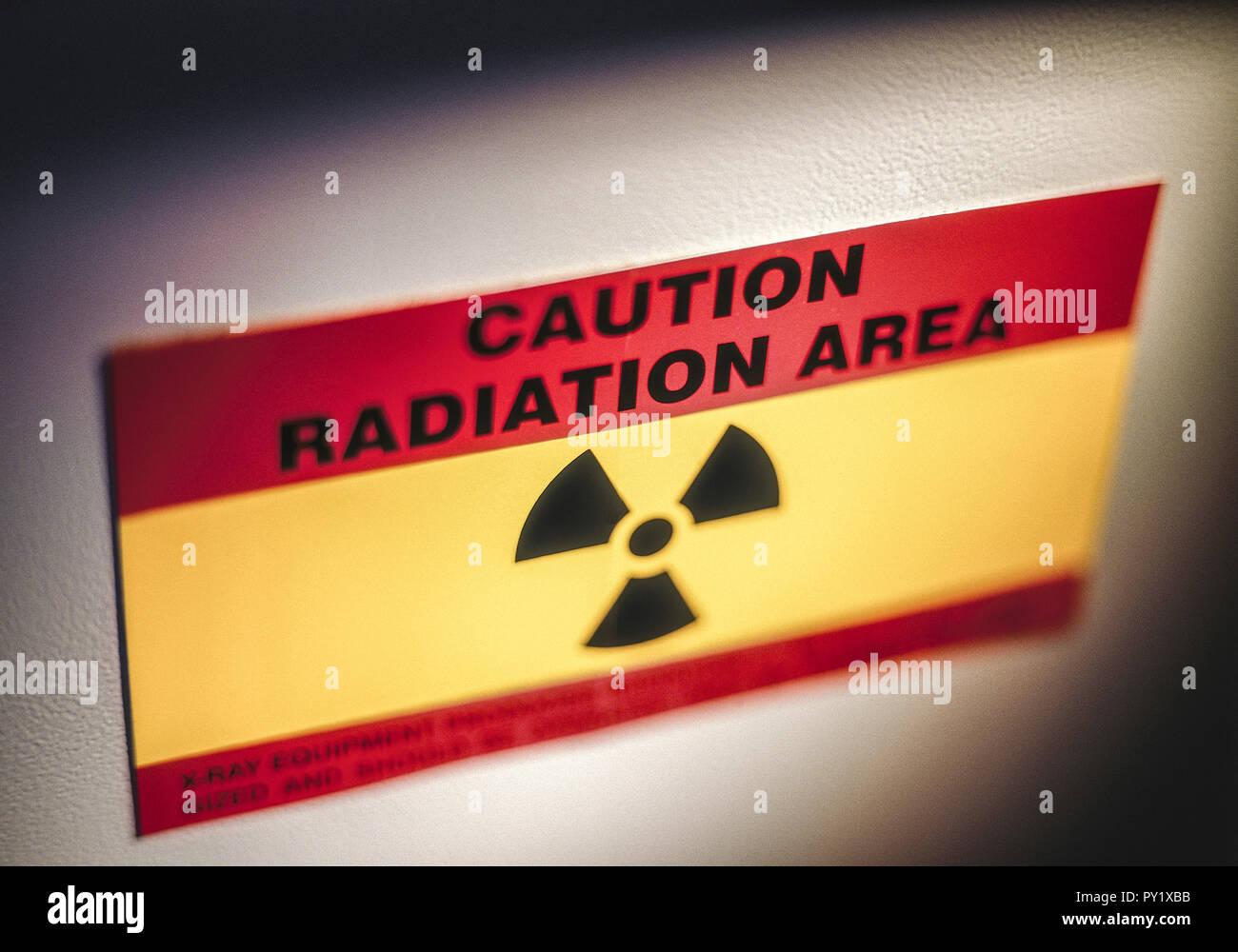 Warnschild vor Roentgenstrahlung Stock Photo