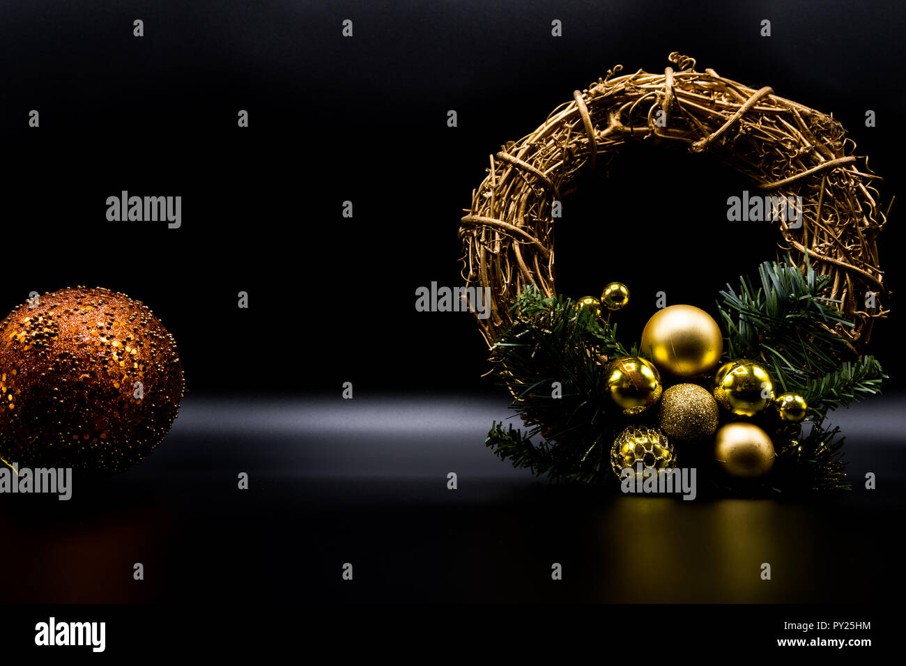 Cool Holidays Wallpaper Background Of Christmas Decorations