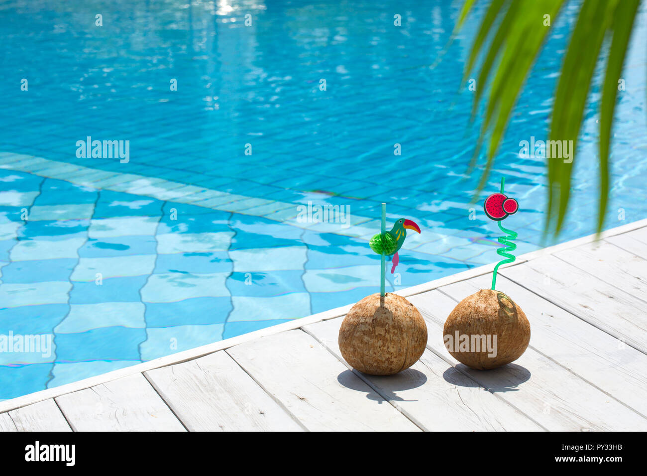 Summer holiday concept photo. vacation items and beach ...