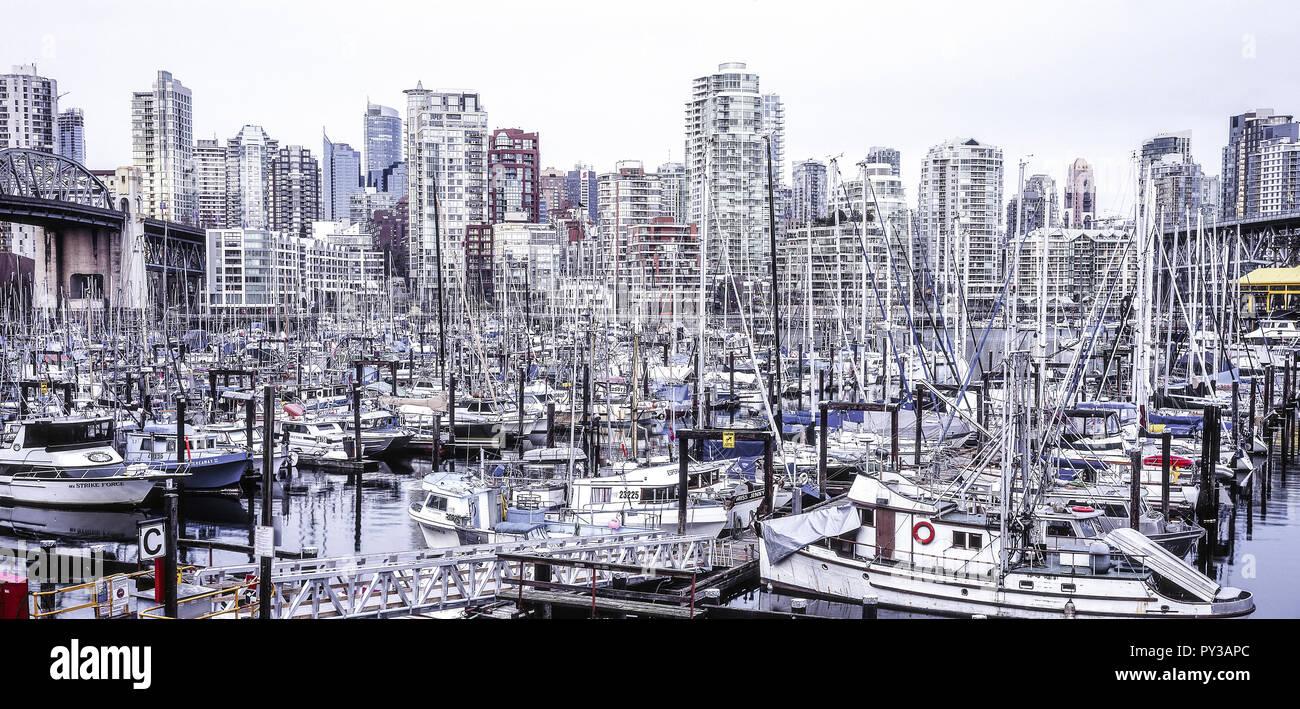 Vancouver, Bootshafen mit Skyline, Kanada Stock Photo