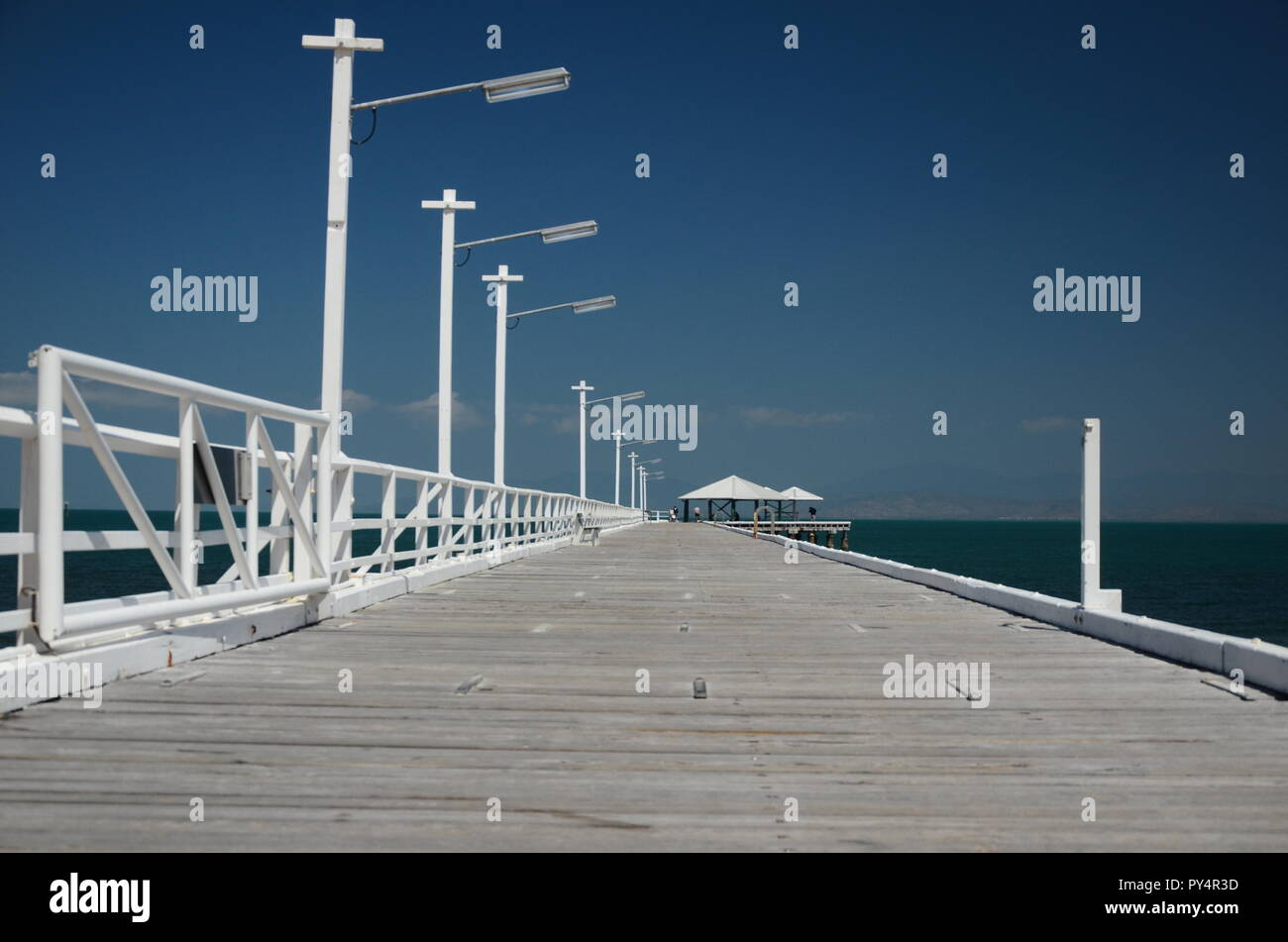 Picnic bay Jetty, Magnetic island - Stock Image
