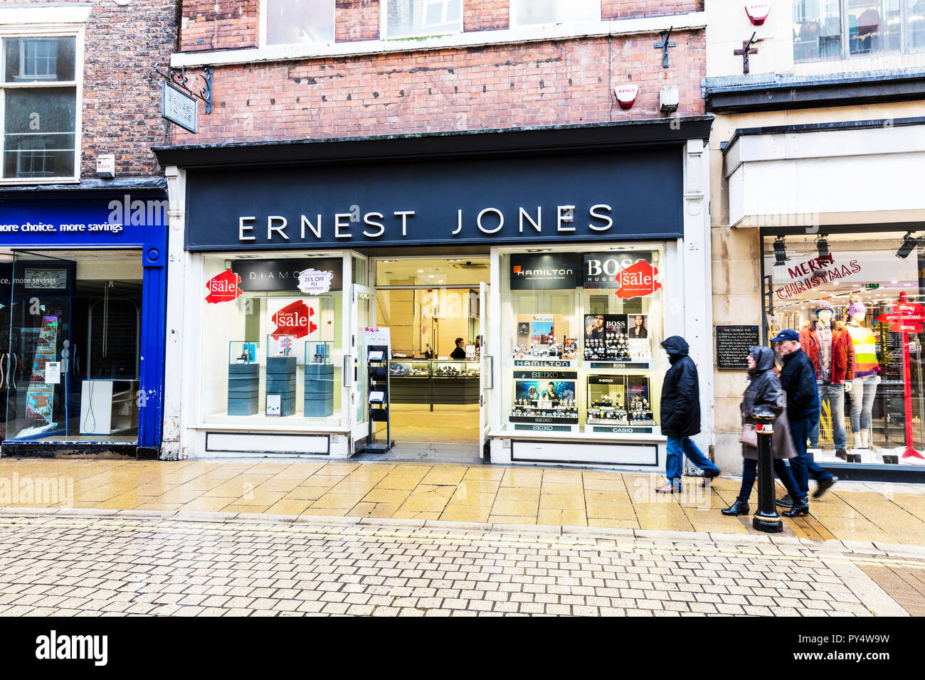 Ernest Jones Jewelers, Ernest Jones jewellery store, Ernest Jones jewellery shop, Ernest Jones high street shop, jewellery shops,  jewellery stores Stock Photo