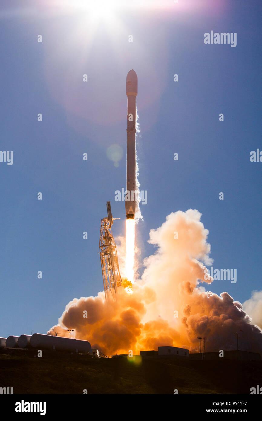 SpaceX, Iridium-1 Launch.jpg - PY4YH5 Stock Photo