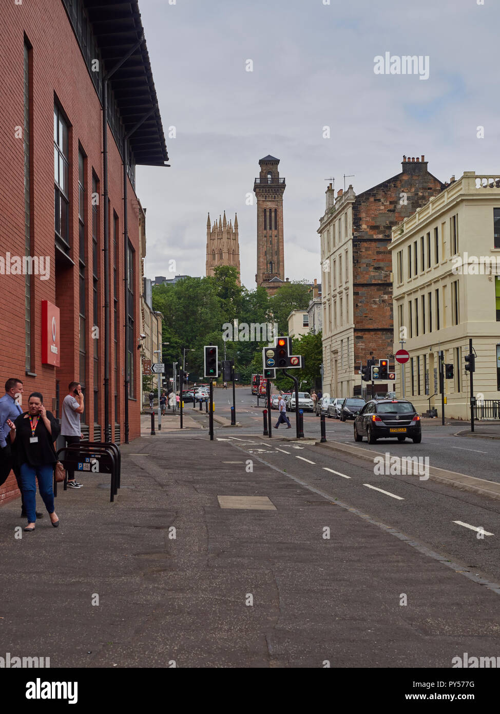 Looking north up Claremont St in Glasgow towards Kelvin Park and the University area of the City. Glasgow, Scotland, UK. - Stock Image
