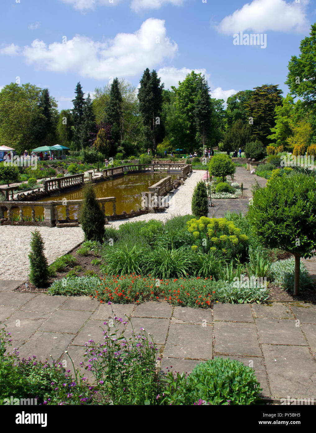 Restored Forgoten Gardens of Esaton Lodge west of Great Dunmow designed by Harold Peto i 1902 for Daisy, Countess of Warwick - Stock Image