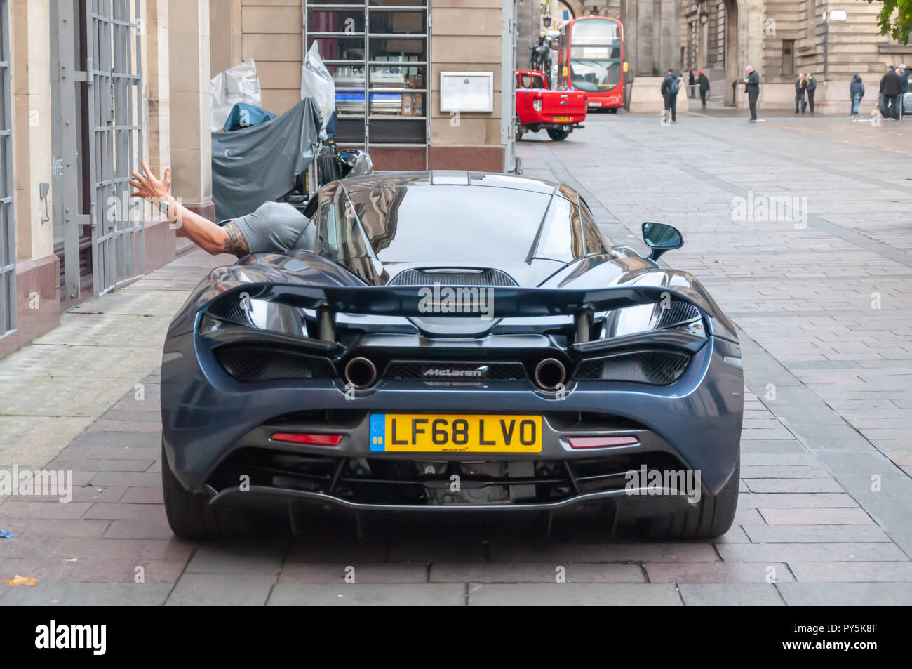 Glasgow, Scotland, UK. 25th October, 2018. On the streets of the City Centre filming of the blockbuster movie Hobbs & Shaw which is a spin-off of the car chase franchise Fast & Furious. Credit: Skully/Alamy Live News - Stock Image