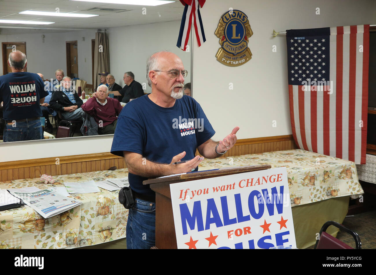 Fairmont, USA. 24th Oct, 2018. Phil Mallow, Republican candidate for the West Virginia House of Representatives, speaks to supporters over lunch at Mom's Place. The 61-year-old wants to move into the House of Representatives of West Virginia for Trump's Republican. (to dpa 'One country, two worlds - How Trump splits America' on 26.10.2018) Credit: Can Merey/dpa/Alamy Live News - Stock Image