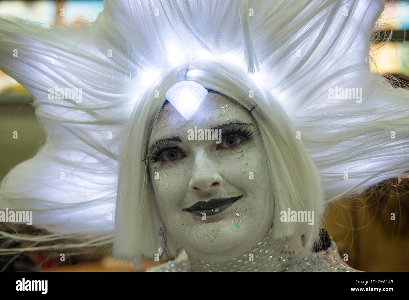 ExCel, London, UK. 26 October, 2018. Three day MCM Comic Con, comic book and cosplay event, opens at ExCel with many visitors in elaborate cosplay costume. Credit: Malcolm Park/Alamy Live News. - Stock Image