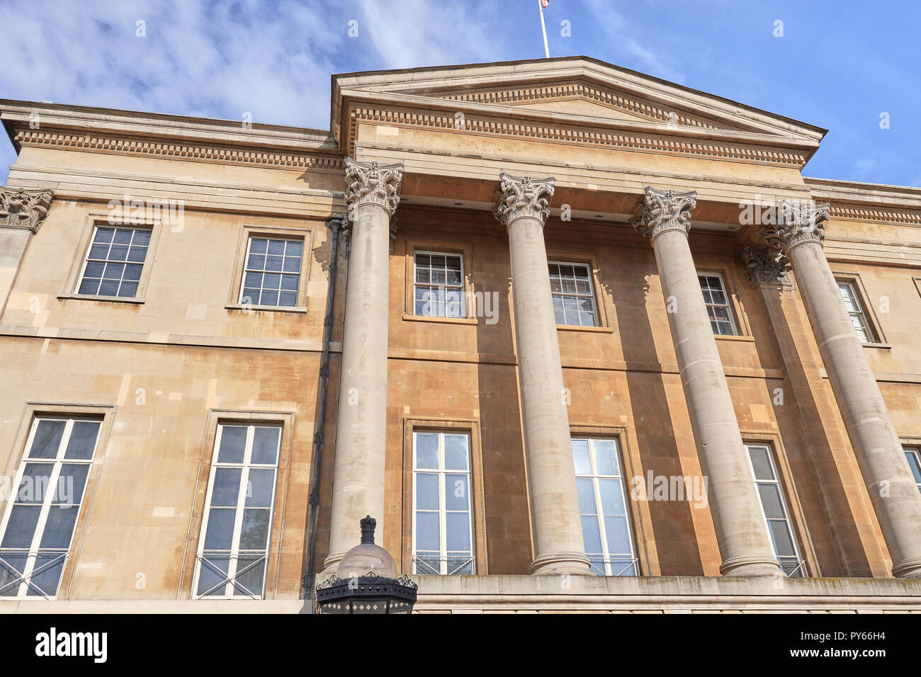 Apsley House, home of the Wellington family, Hyde Park corner, London, England. - Stock Image