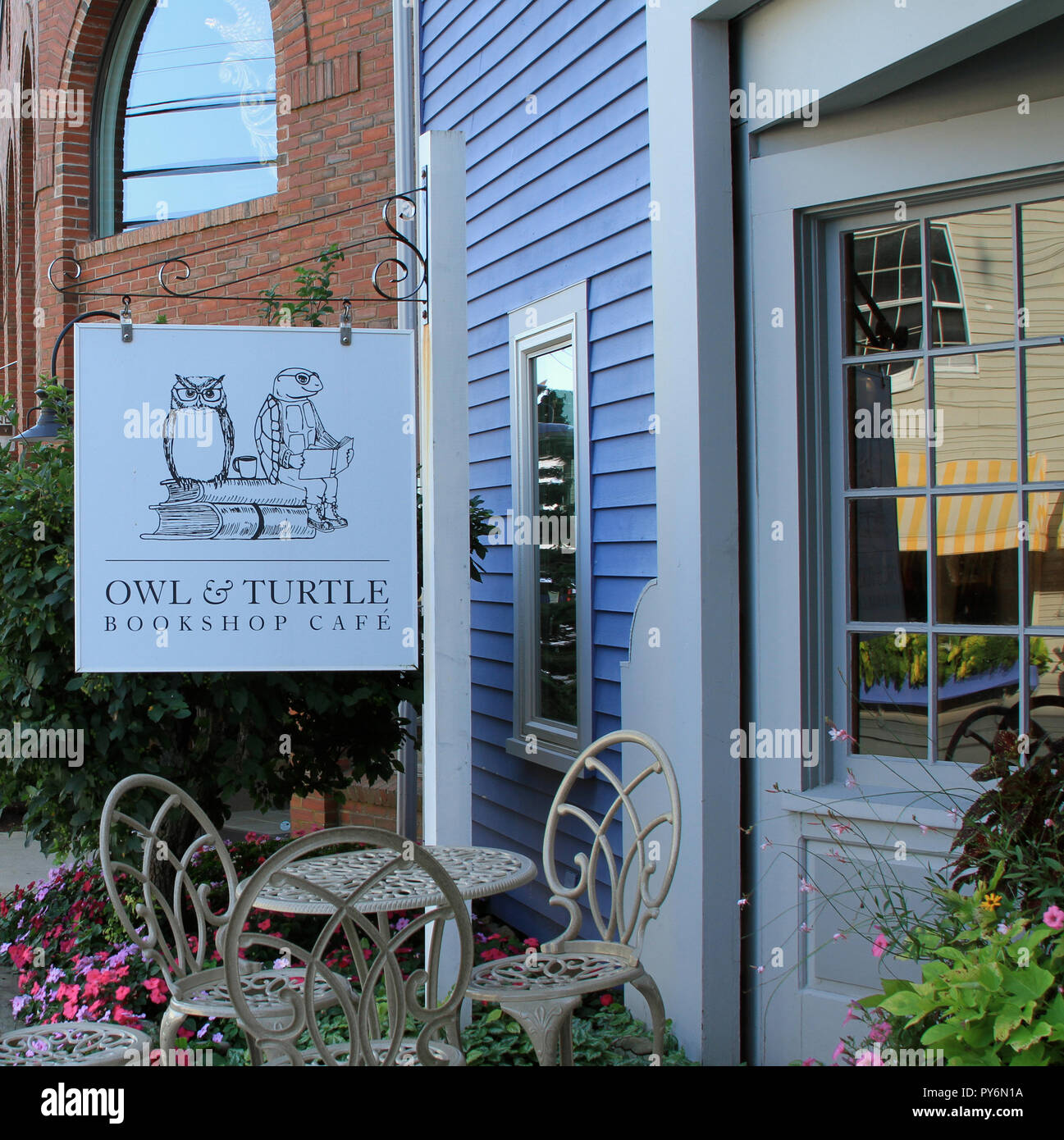 The Owl & Turtle Bookshop Cafe, Camden, Maine Stock Photo