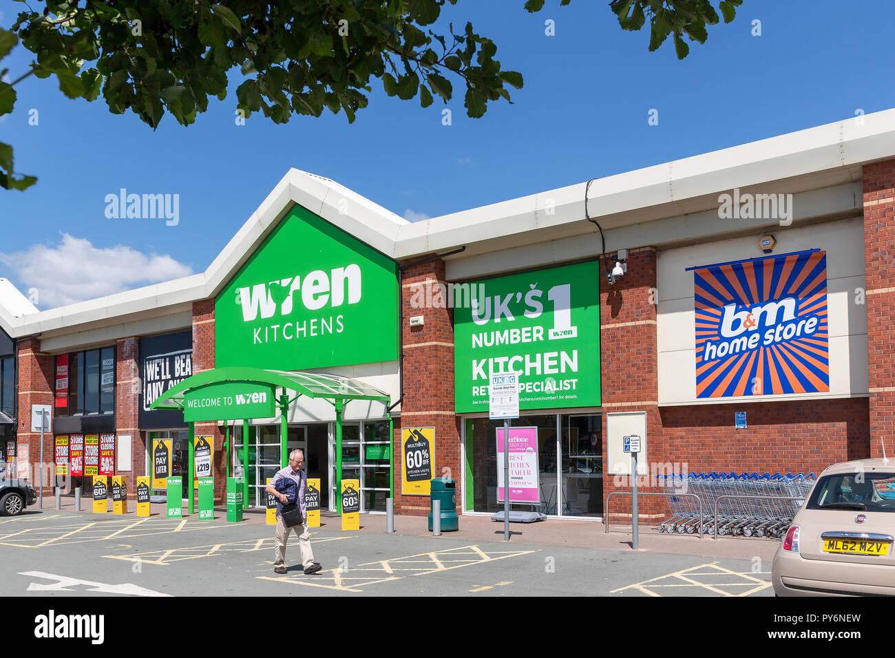Warrington branch of Wren Kitchens on the Riverside Retail Park - Stock Image