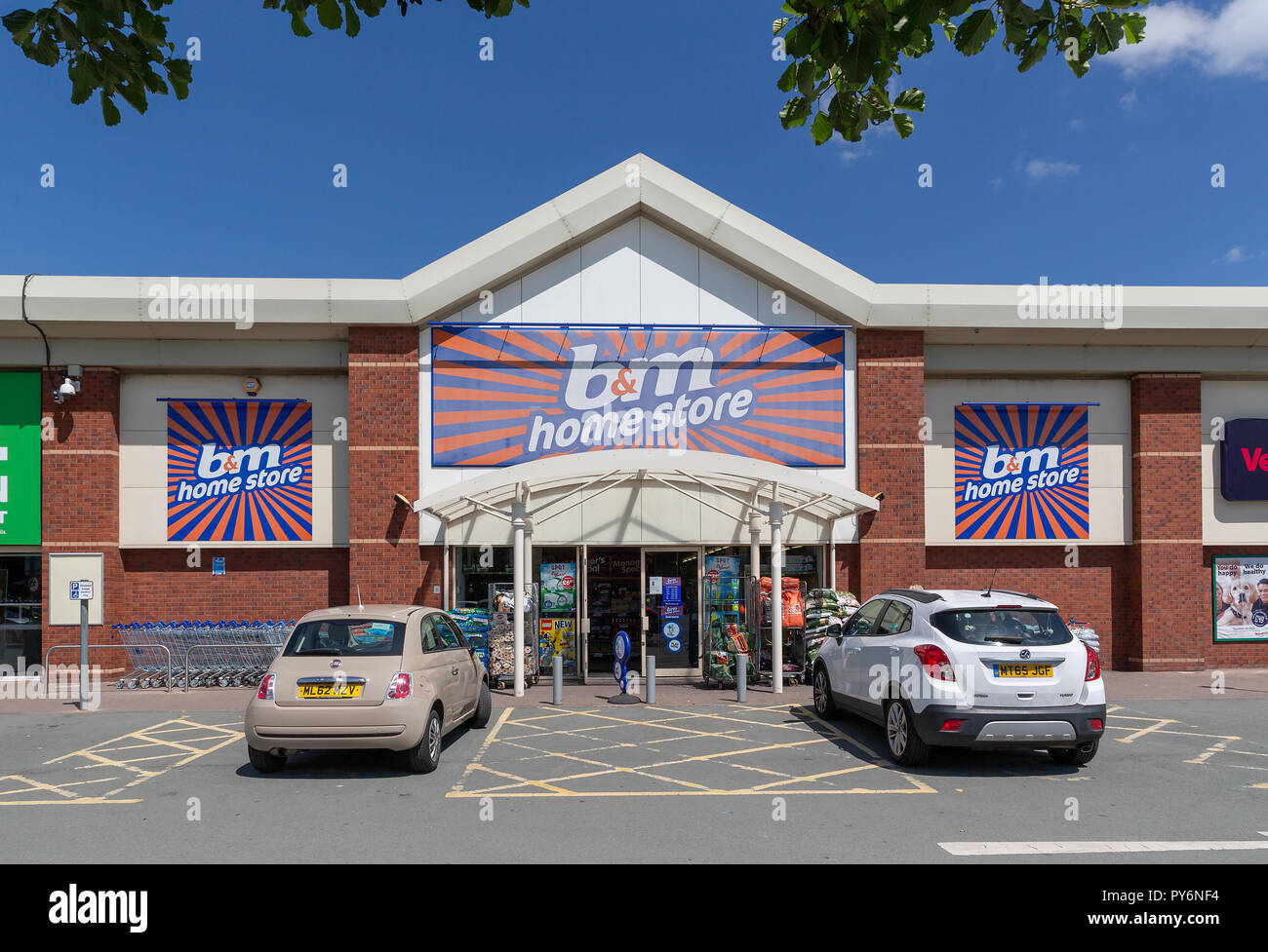 Warrington branch of B & M Stores on the Riverside Retail Park - Stock Image