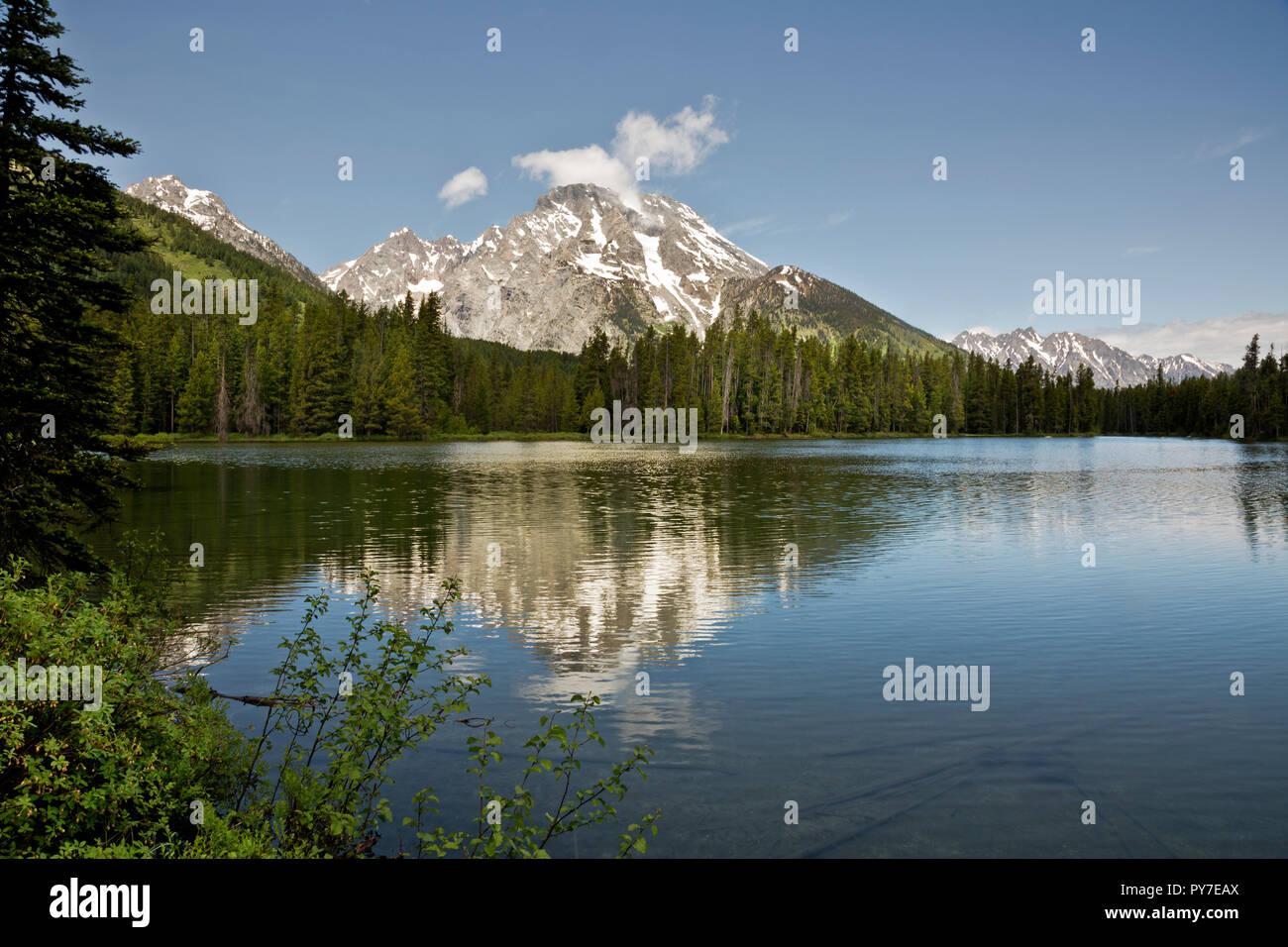 WY02512-00...WYOMING - Mount Woodring reflecting in String Lake of Grand Teton National Park. - Stock Image