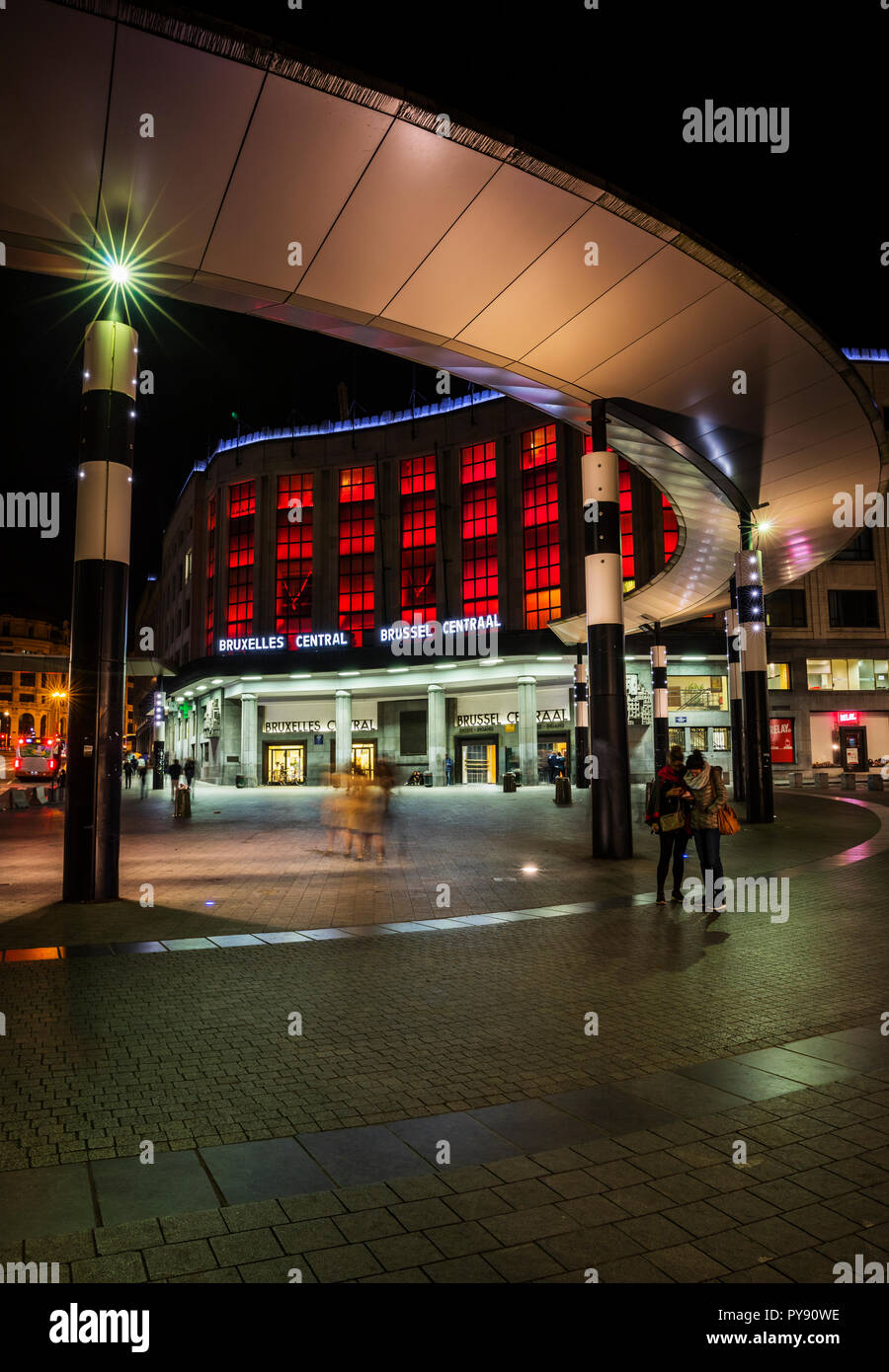 Brussel Central, Bruxelles central station in the night - Stock Image