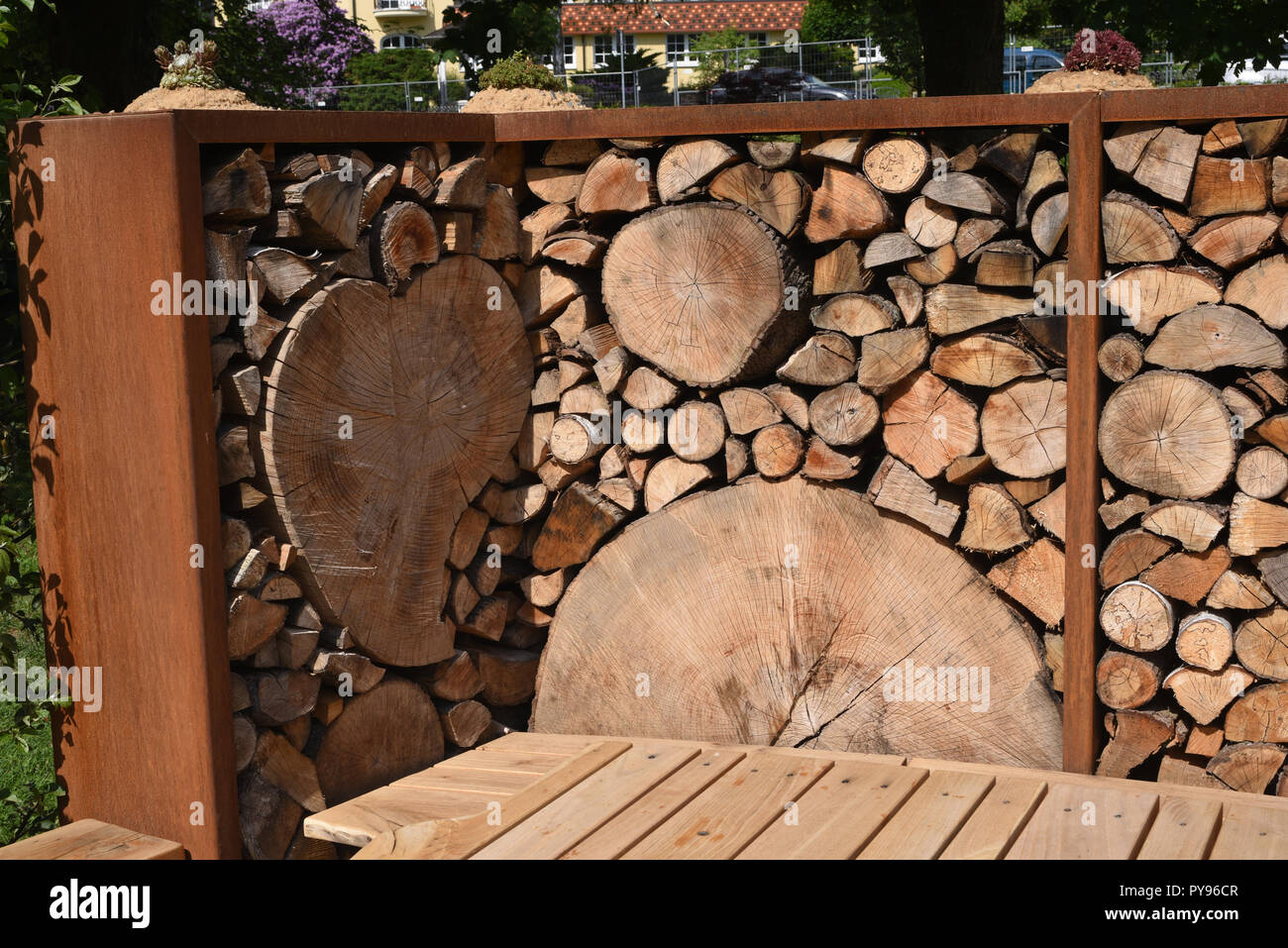 Holzwand Sichtschutz Stock Photo Alamy