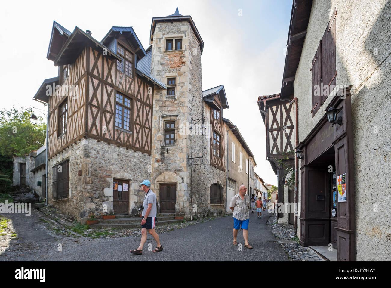 15th century Maison Bridaut in the medieval village Saint-Bertrand-de-Comminges, Haute-Garonne, Pyrenees, France - Stock Image