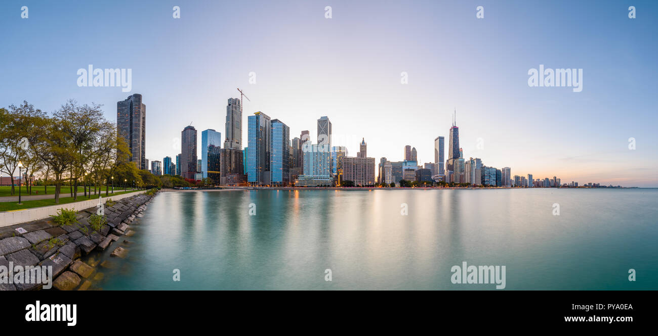 Chicago, Illinois, USA downtown skyline from Lake Michigan at dusk. - Stock Image