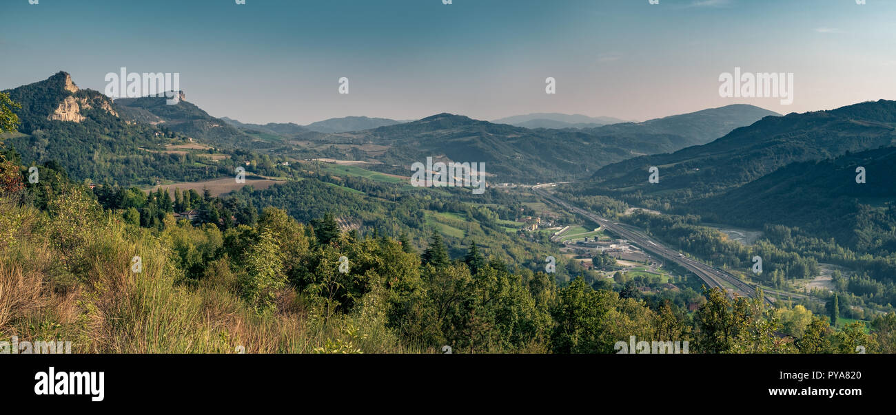 Panoramic view of the Valley of the Setta River between Bologna and Florence. Sasso Marconi, Bologna province, Italy. - Stock Image
