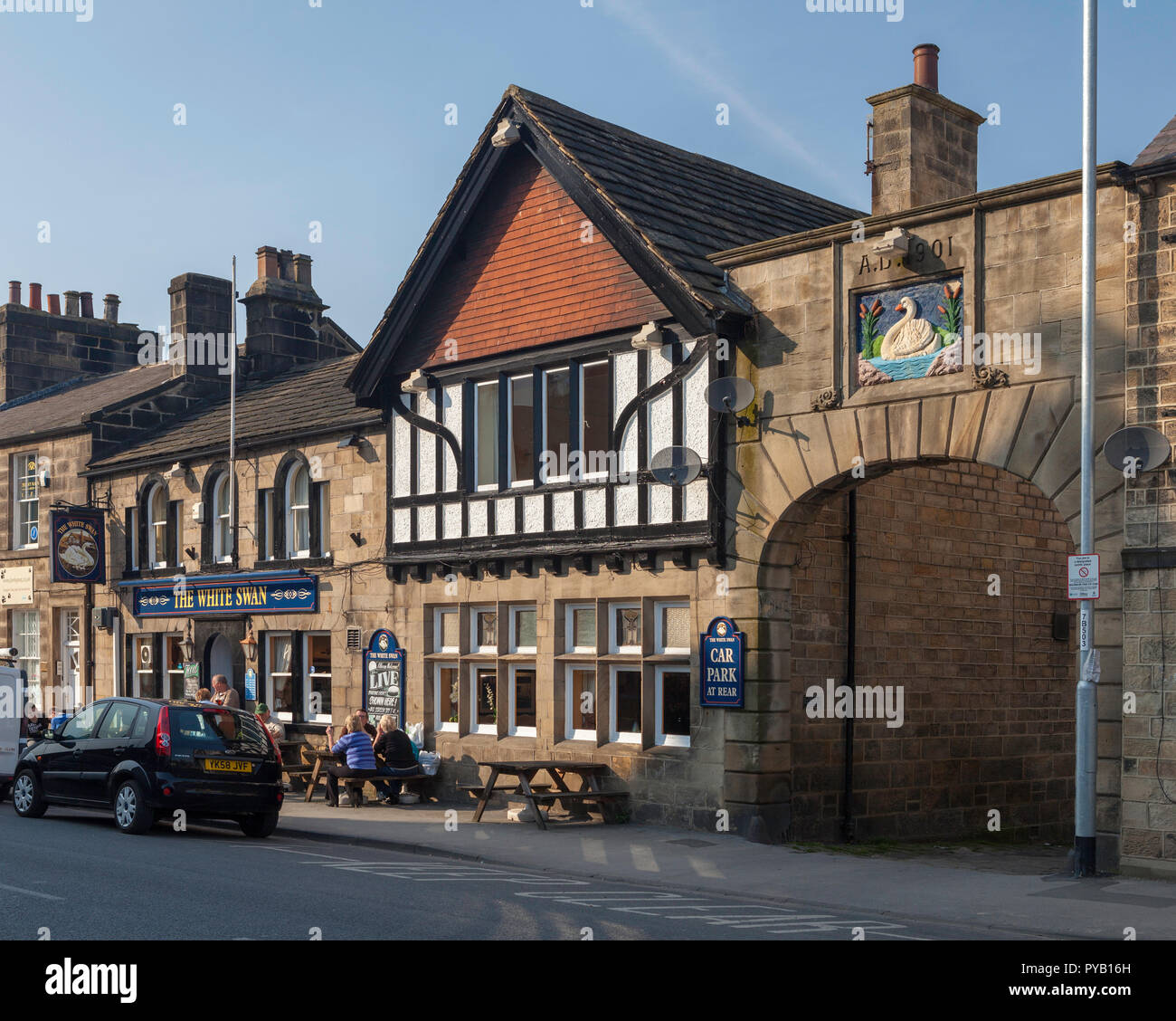 The White Swan Inn on Boroughgate in Otley,  West Yorkshire - Stock Image
