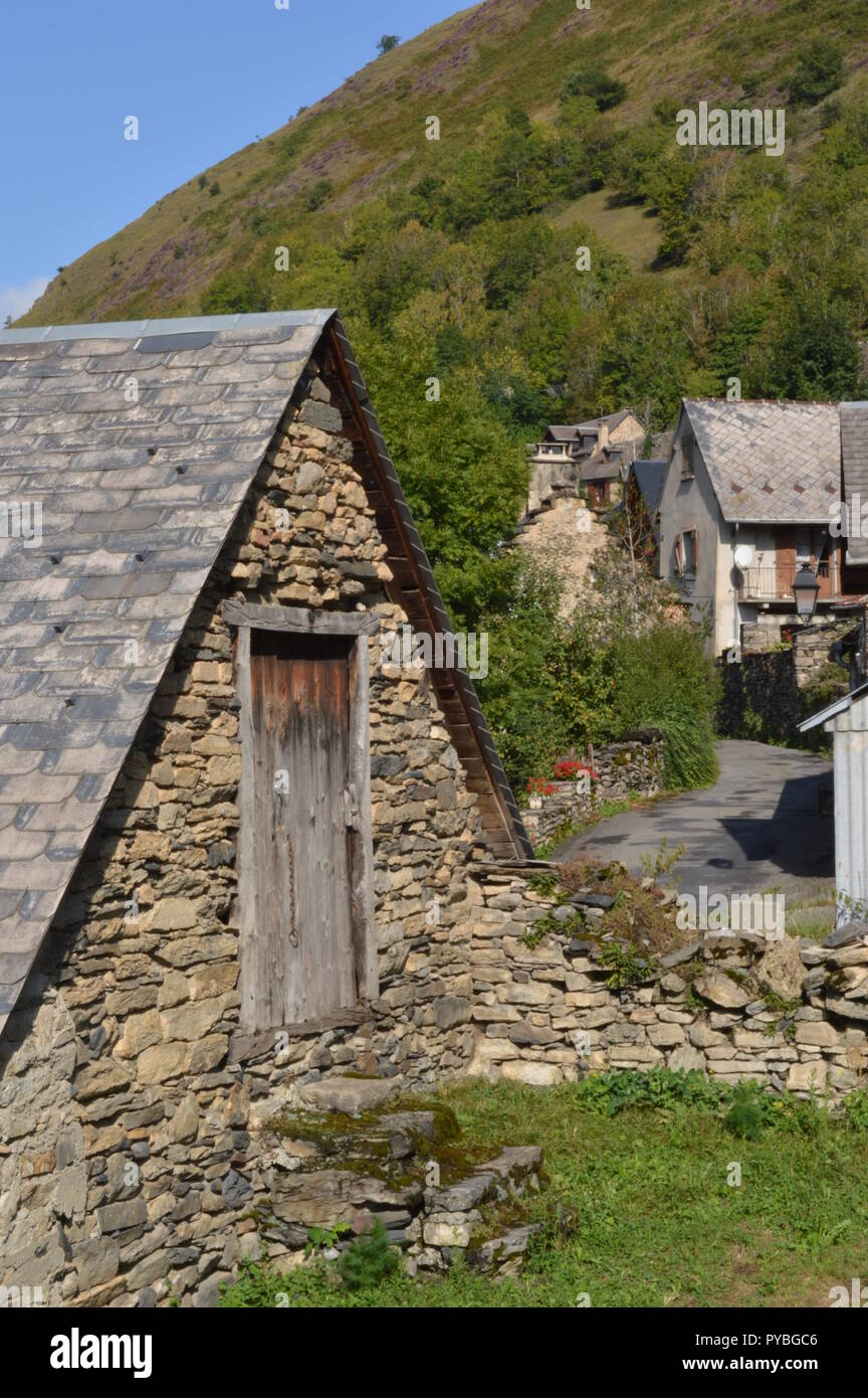 Luchon Frankreich 10th Sep 2018 Old Stone House In The Mountain - 100-wood-and-stone-house