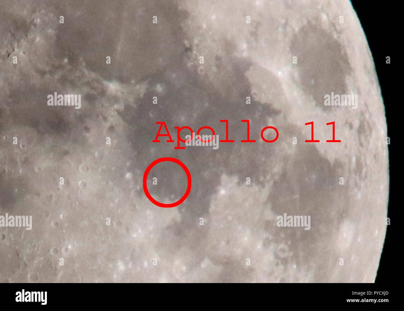 Mond, Halbmond, mit dem Ort der ersten Mondlandung der NASA-Mission 'Apollo 11', Mare Tranquillitatis, Berlin (nur fuer redaktionelle Verwendung. Kein - Stock Image